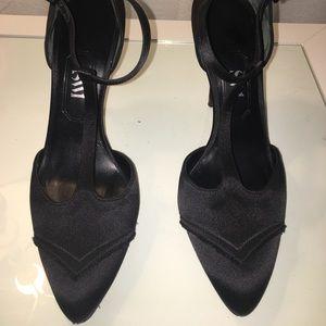 SW1 black satin heel